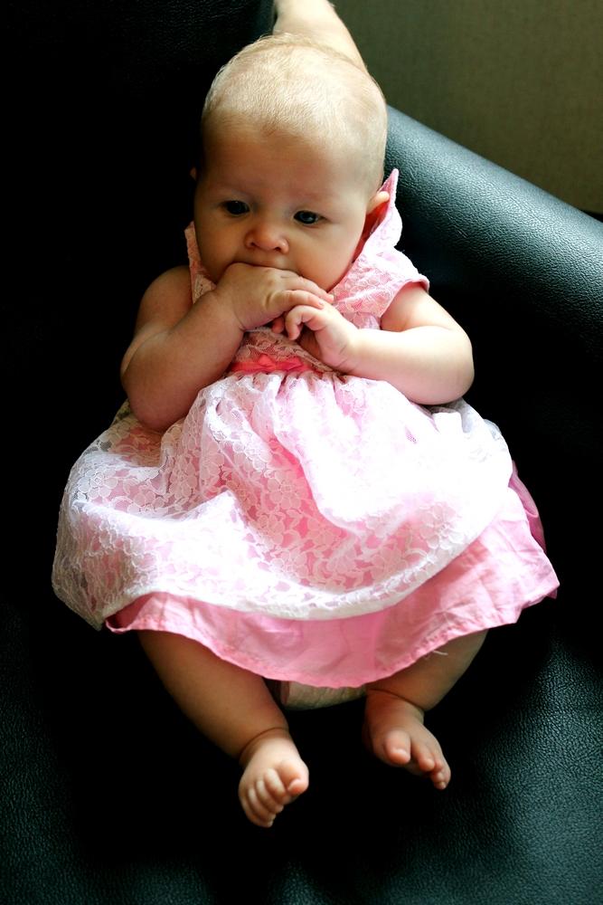 Dåpsbarnet rosa kjole