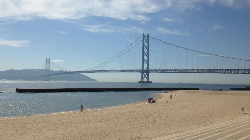 Maiko-stranda og Akashi-brua 16-9